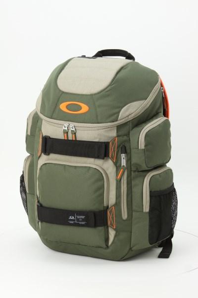 Oakley Enduro 30L Backpack 360 View