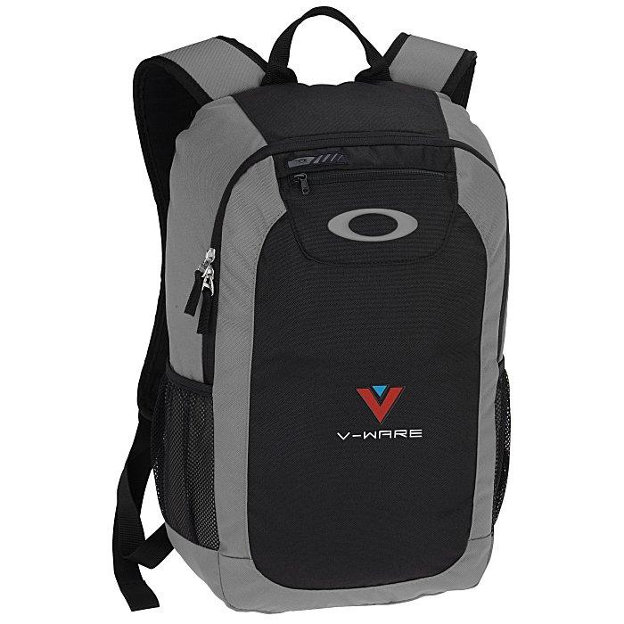 133798c101 4imprint.com  Oakley v2 Enduro 20L Backpack 138902