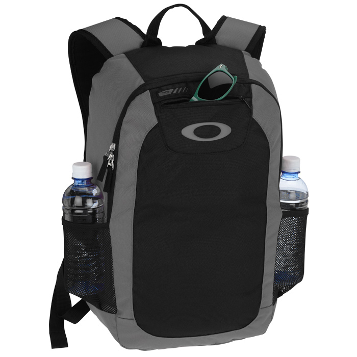 133798c101 4imprint.com  Oakley v2 Enduro 20L Backpack 138902