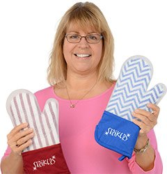 Marcia recommends the Frosted Silicone Oven Mitt